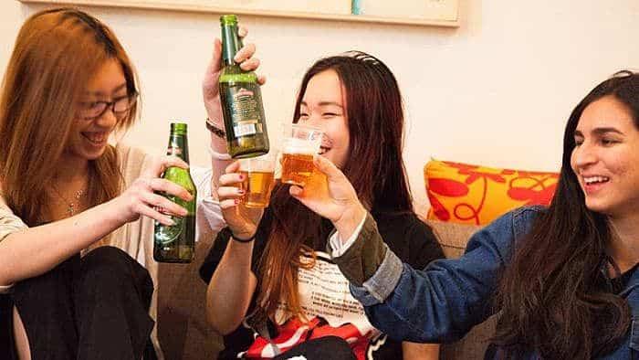 Los adolescentes que duermen lo suficiente tienen menos probabilidades de abusar del alcohol