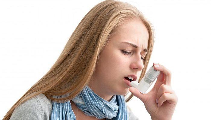 Tomar zumo de manzana con regularidad puede prevenir las posibilidades de asma