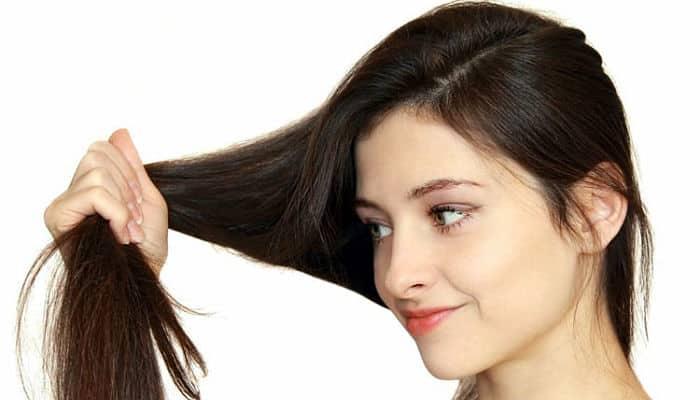 El aceite de ricino promueve el crecimiento del pelo , dándole el pelo más largo y más grueso