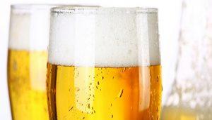 beneficios de la espuma de la cerveza