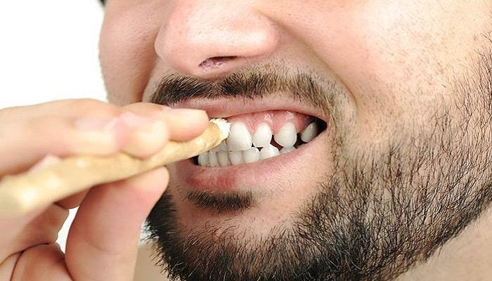 el miswak para los dientes