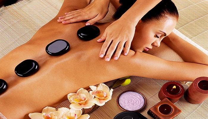 las piedras calientes y los masajes