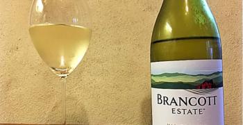 Grandes beneficios del vino blanco